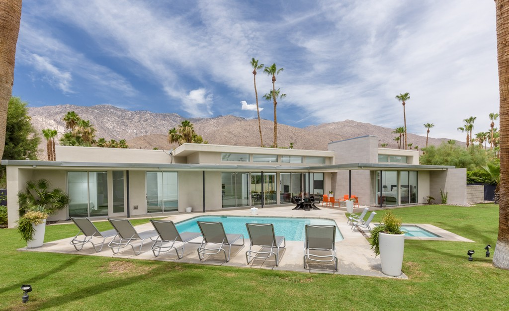 2468 S Camino Real, Palm Springs, CA 92264