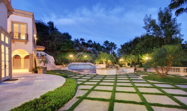 1130 Shadow Hill Way, Beverly Hills, CA 90210
