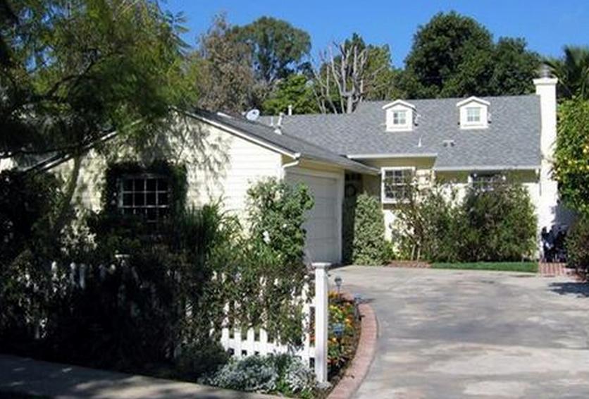 12223 Shetland Lane, Los Angeles, CA 90049