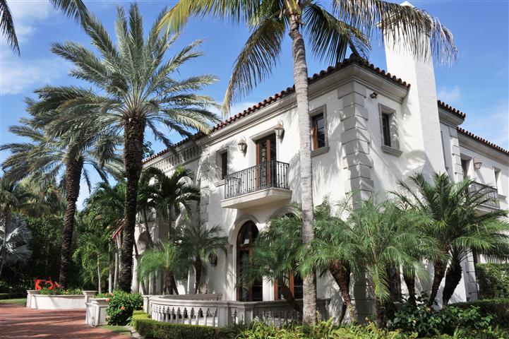 261 El Bravo Way, Palm Beach, FL 33480
