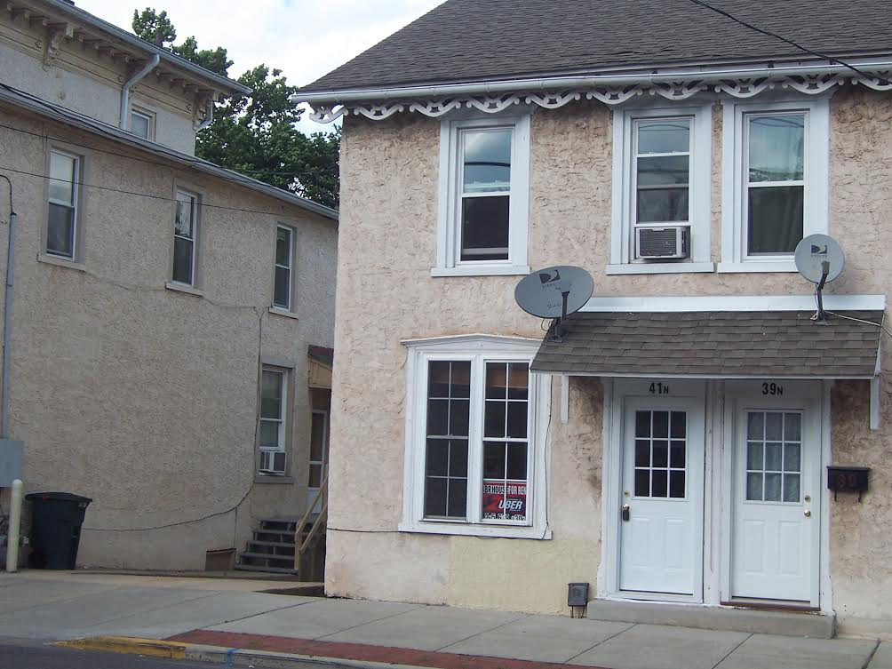41 N Main St, Spring City, PA 19475