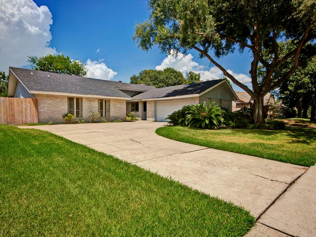 16411 Brambling Dr, Houston, TX 77059