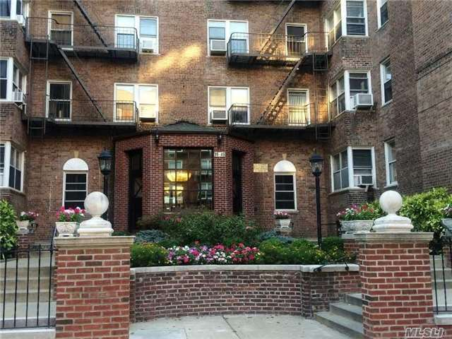 99-45 67 Road 6D, Forest Hills, NY 11375