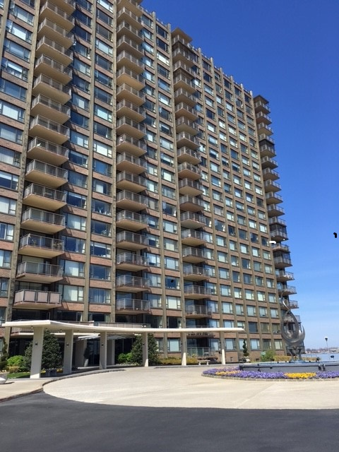 166-25 Powells Cove Blvd. 3L, Beechhurst, NY 11357