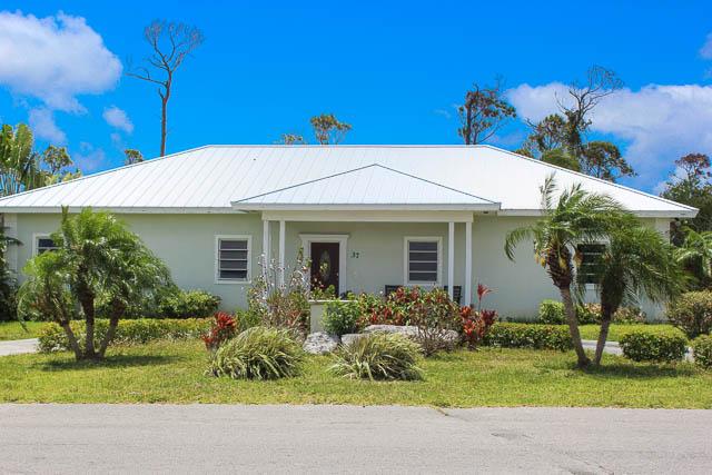 9291 Beautiful Family Home in Bahamia, Grand Bahama/Freeport,
