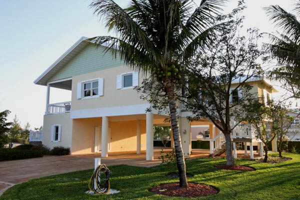Beautiful Canalfront Estate in Fortune Bay, Grand Bahama/Freeport,