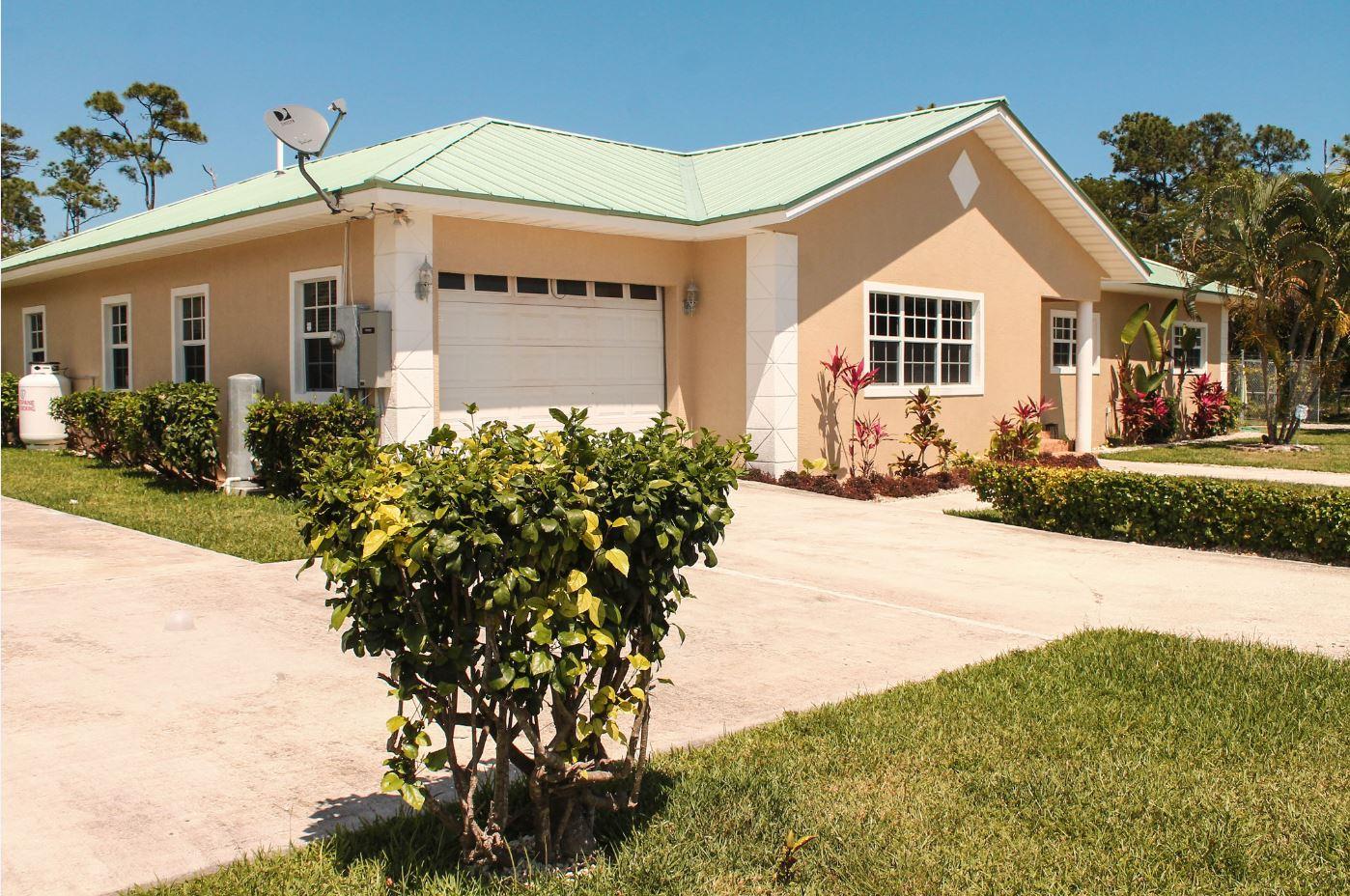Beautiful Home on Canary Avenue, Grand Bahama/Freeport,