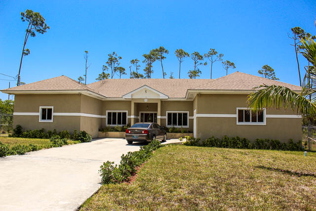 Beautiful Family Home in Arden Forest, Grand Bahama/Freeport,
