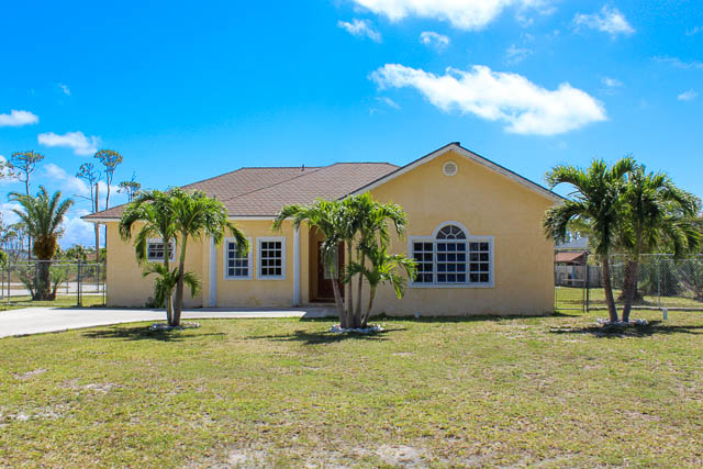 9681 Beautiful Family Home in Arden Forest, Grand Bahama/Freeport,