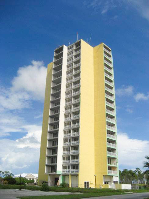 Apartment Building On The Mall, Grand Bahama/Freeport,