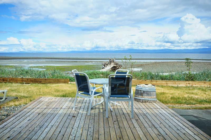 3267 West Island Highway, Qualicum Beach, BC V9K2C6