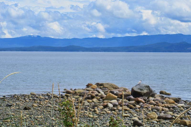 3251 West  Island Hwy, Qualicum Beach, BC V9K2C6