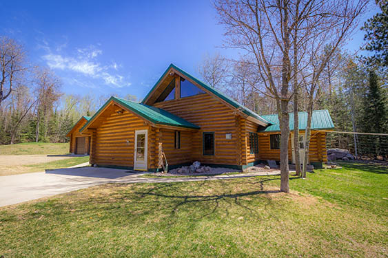 122 Old Airport Rd, Ely, MN 55731