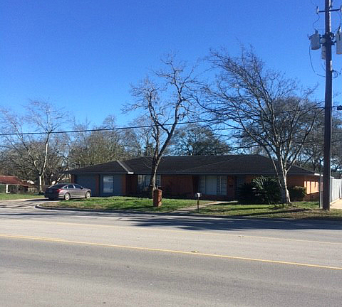 916 Meyer St, Sealy, TX 77474