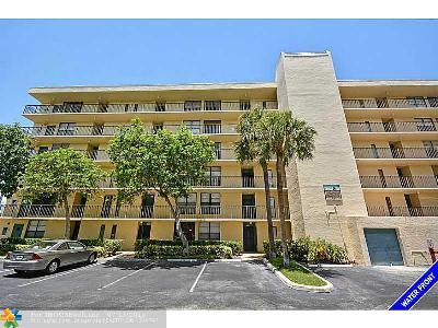 17 Royal Palm Way 17-102, Boca Raton, FL 33432