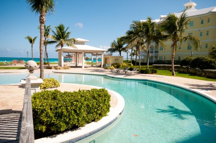 Bayroc, Nassau,