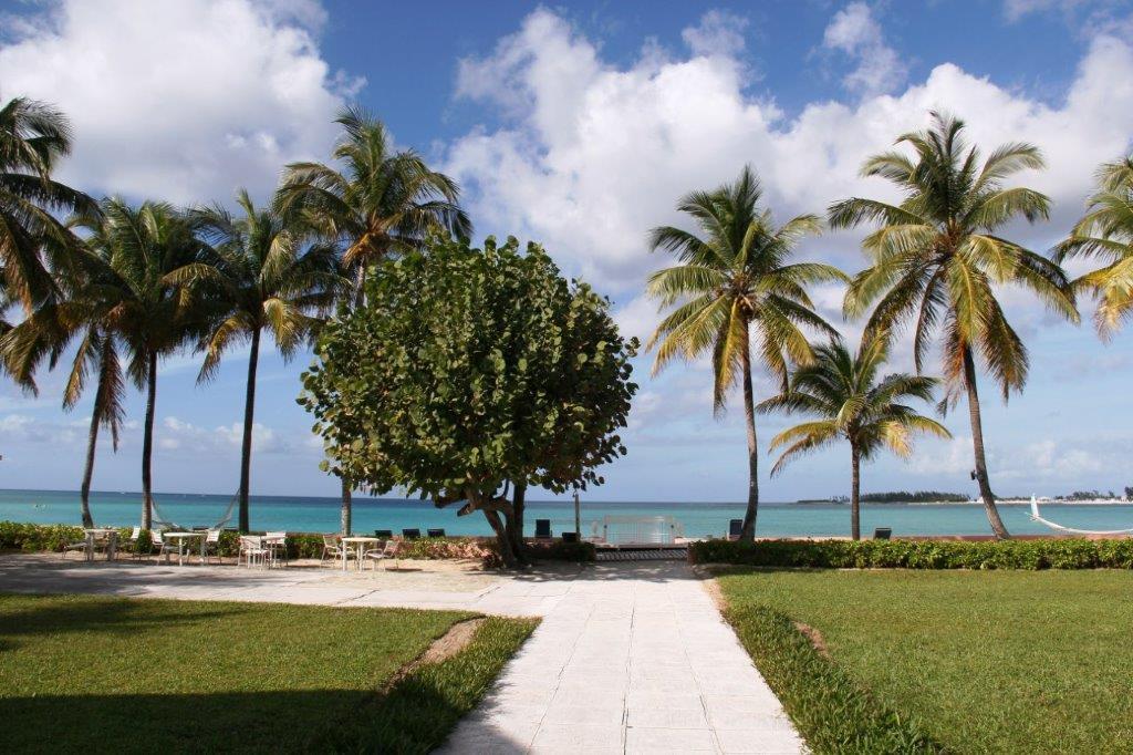 Cable Beach Manor, Nassau,