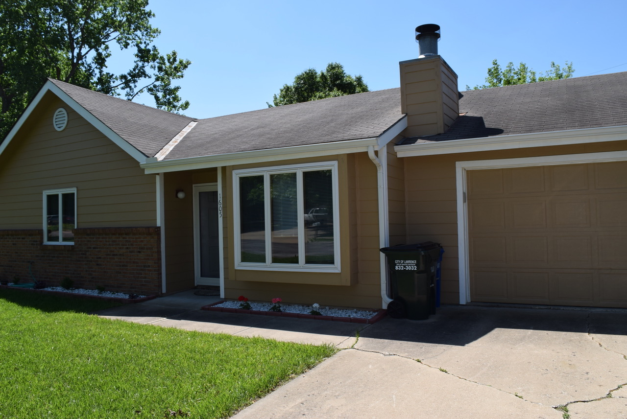 1605 E 21 Ter (Under Contract 1st Day of Showings), Lawrence, KS 66046