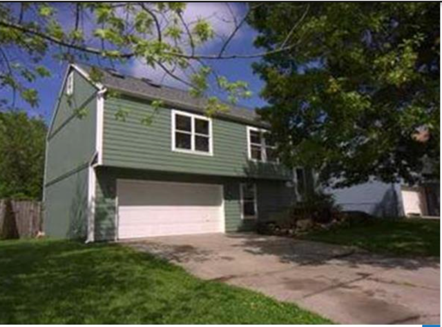 SOLD by Rob Lang 113 Glenview Dr, Lawrence, KS 66049