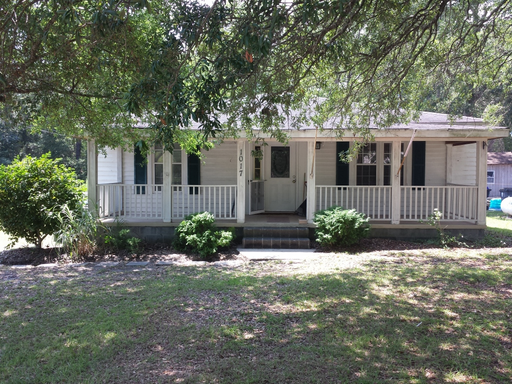 1017 N Lord Street, Southport, NC 28461