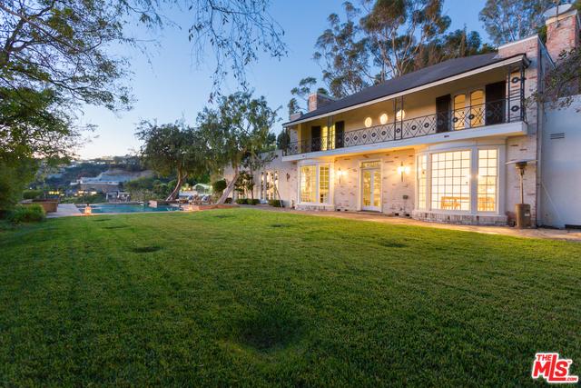 8555 Hedges, Los Angeles, CA 90069