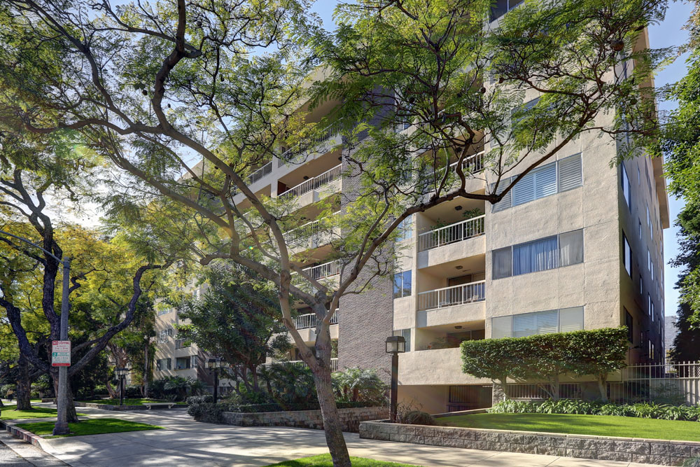 441 N. Oakhurst Dr. 702, Beverly Hills, CA 90210