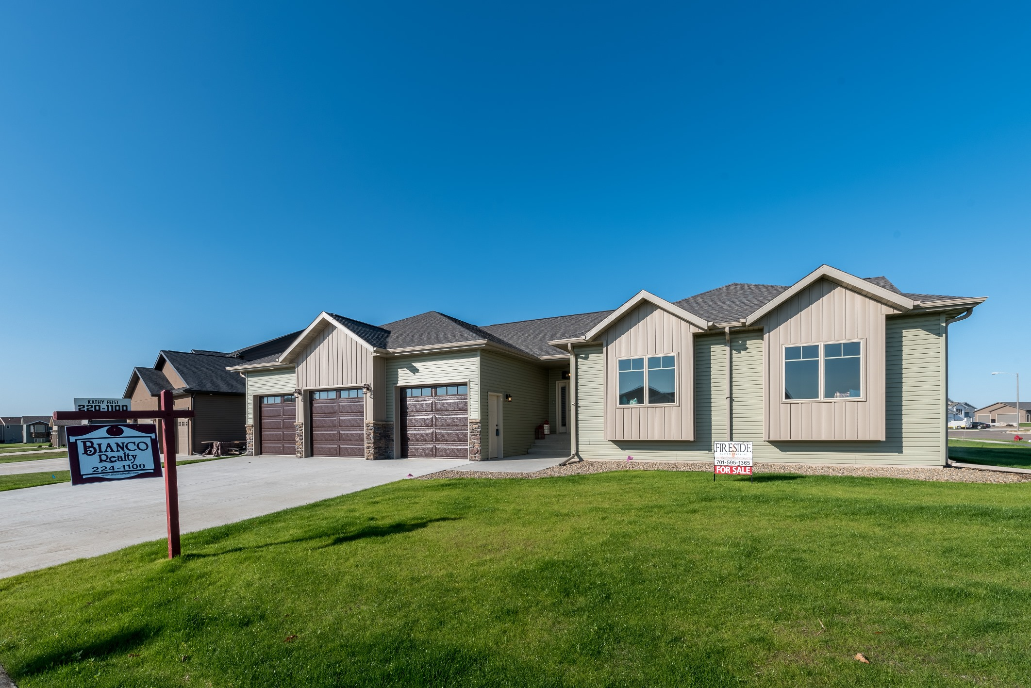 5208 Sunlight Drive, Bismarck, ND 58503