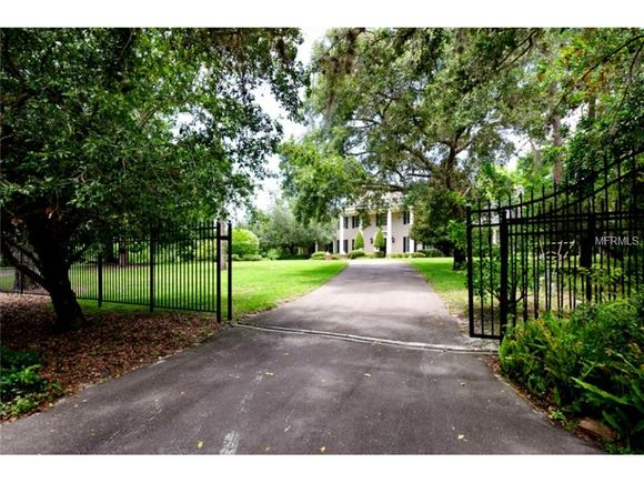911 Pine Hill Road, Palm Harbor, FL 34683