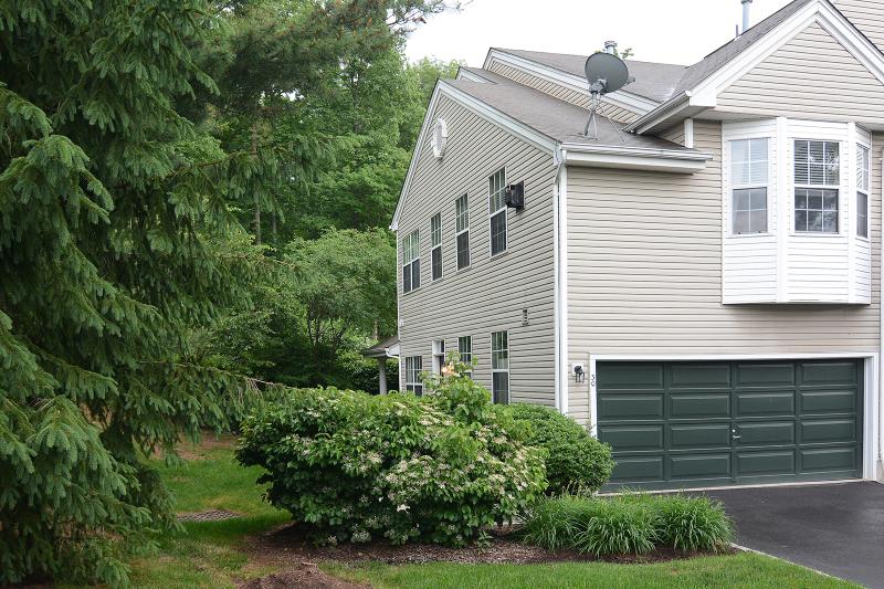 30 Oak Knoll, Bedminster, NJ 07921