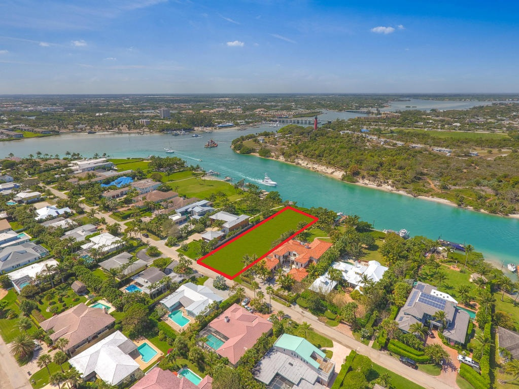 102 Lighthouse Drive, Jupiter Inlet Colony, FL 33469