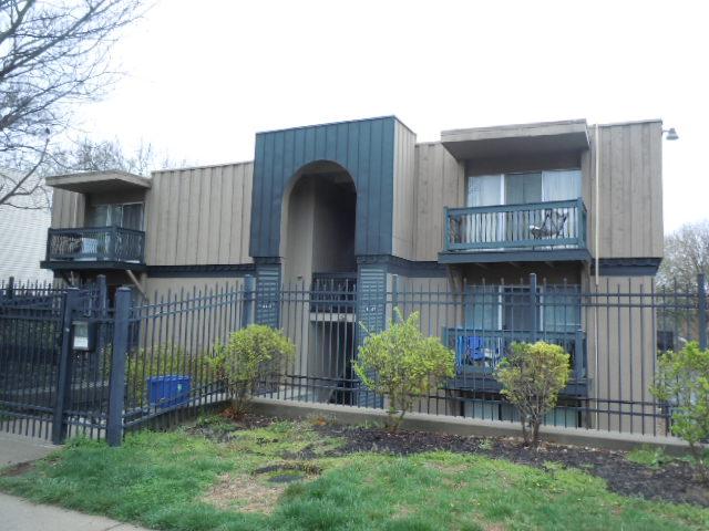 4143 Roanoke Road 7, Kansas City, MO 64111