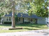 5711 W 78th Terrace, Prairie Village, KS 66208