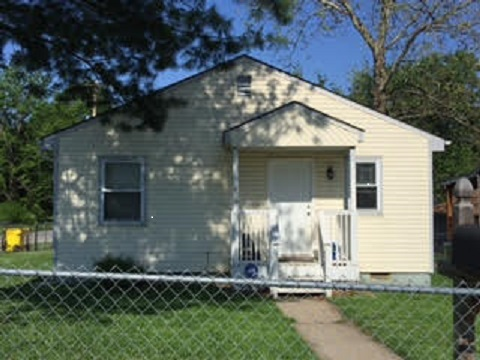 820 S. Saville Ave., Independence, MO 64050